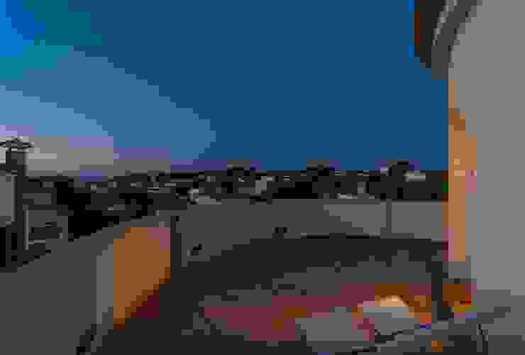 Hiên, sân thượng phong cách Địa Trung Hải bởi Home Staging Tarragona - Deco Interior Địa Trung Hải
