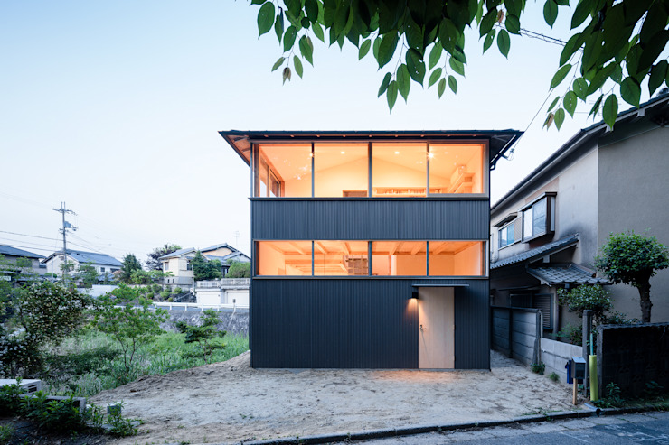 Houses by KOMATSU ARCHITECTS,