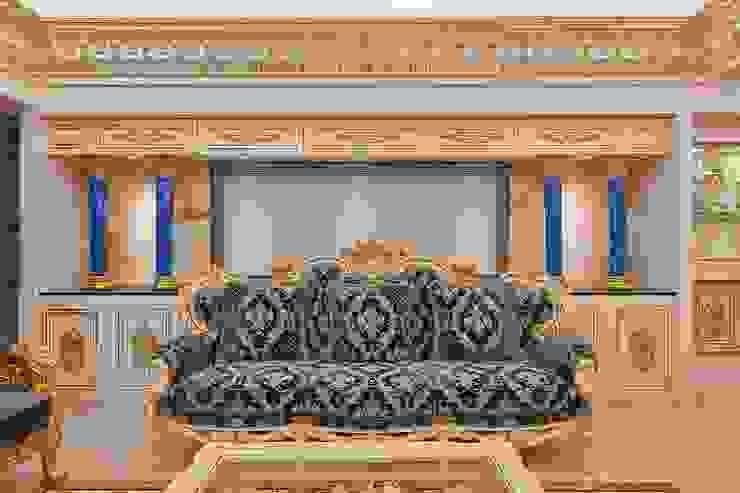尊貴藍寶色割絨沙發: 經典  by 歐式藝廊法式新古典設計, 古典風 實木 Multicolored