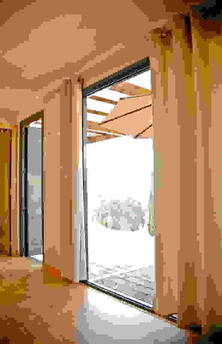 Bungalow Wood Alcobaça - Interior - 2 Salas de estar modernas por goodmood - Soluções de Habitação Moderno