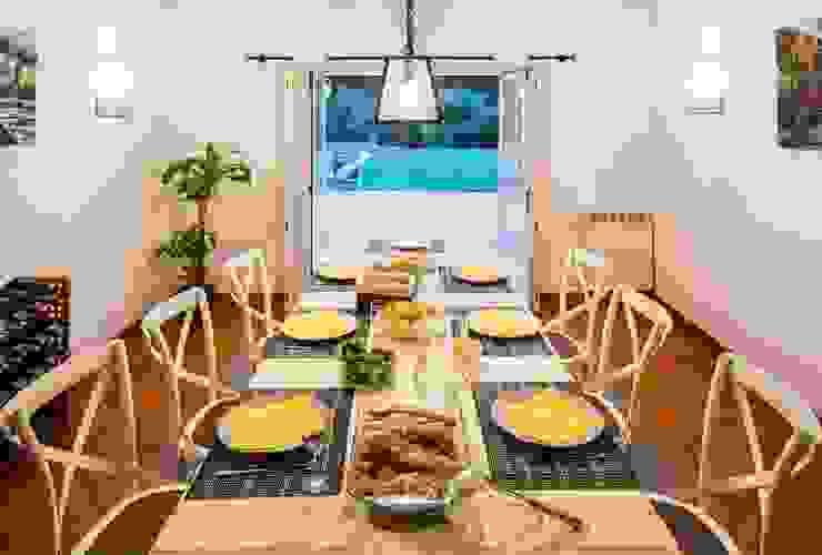 projeto de decoração de um alojamento local em Sintra – Quinta do Pé Descalço Officina Boarotto Salas de jantar rústicas