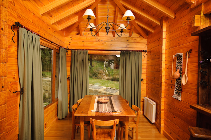 Country style dining room by Patagonia Log Homes - Arquitectos - Neuquén Country