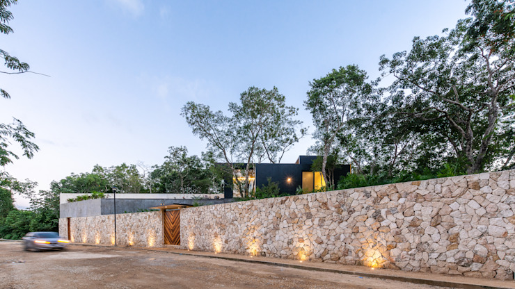 by Obed Clemente Arquitectos Tropical Stone
