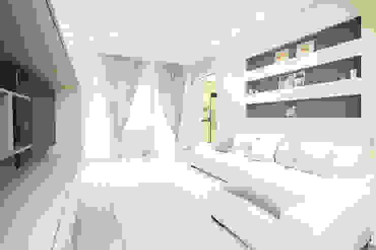 Andrea Orioli Living room Ceramic Beige