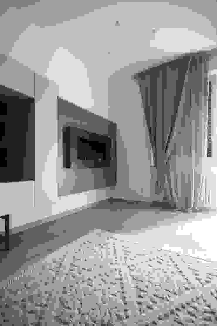 Andrea Orioli Living room Beige