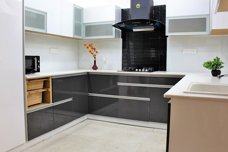 U shaped kitchen Easyhomz Interiors Pvt Ltd Small kitchens Engineered Wood Grey