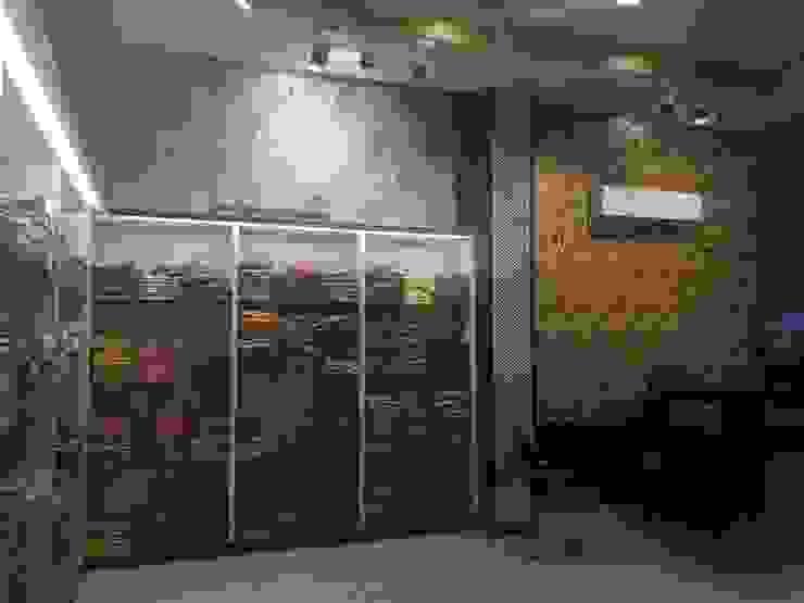 Garments Showroom Interior divine architects