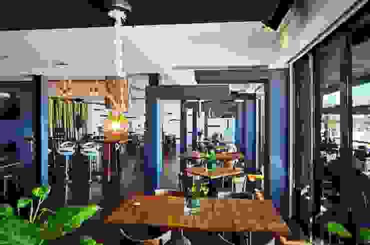 Officina Boarotto Ruang Makan Gaya Rustic Parket Wood effect