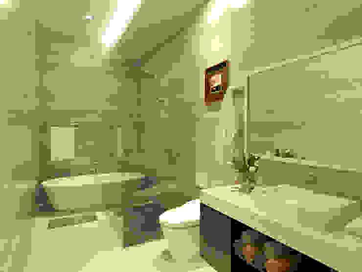 Modern Bathroom by Arsitekpedia Modern