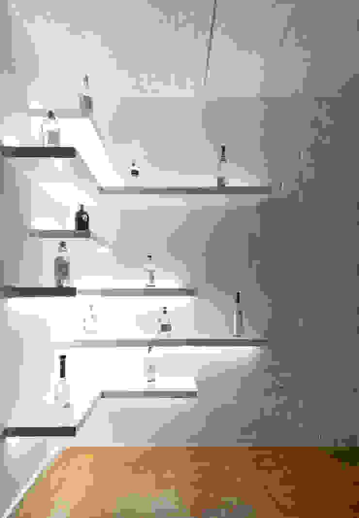 Daniel Cota Arquitectura | Despacho de arquitectos | Cancún Minimalist wine cellar Wood White