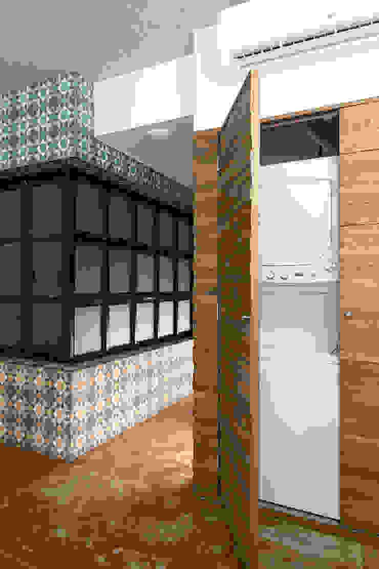 Daniel Cota Arquitectura | Despacho de arquitectos | Cancún Minimalist dressing room Wood Wood effect