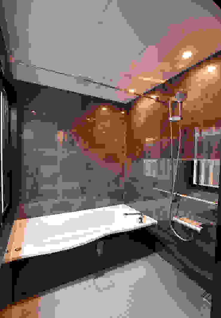 浴室 Style Create モダンスタイルの お風呂 灰色
