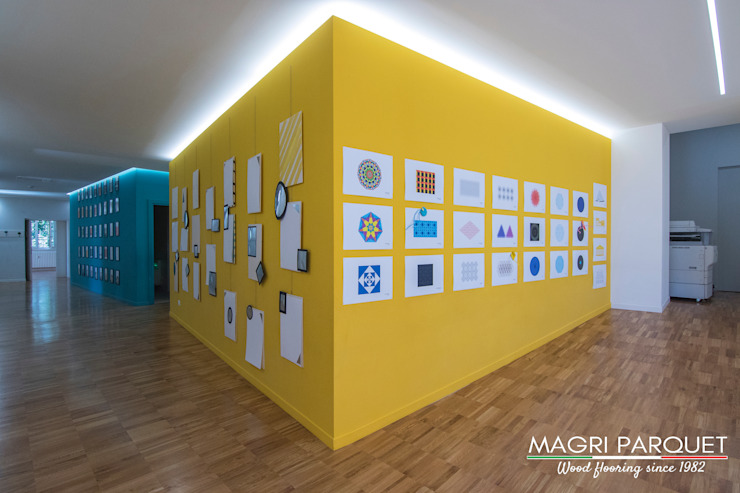 Magri Parquet Modern corridor, hallway & stairs Engineered Wood Yellow