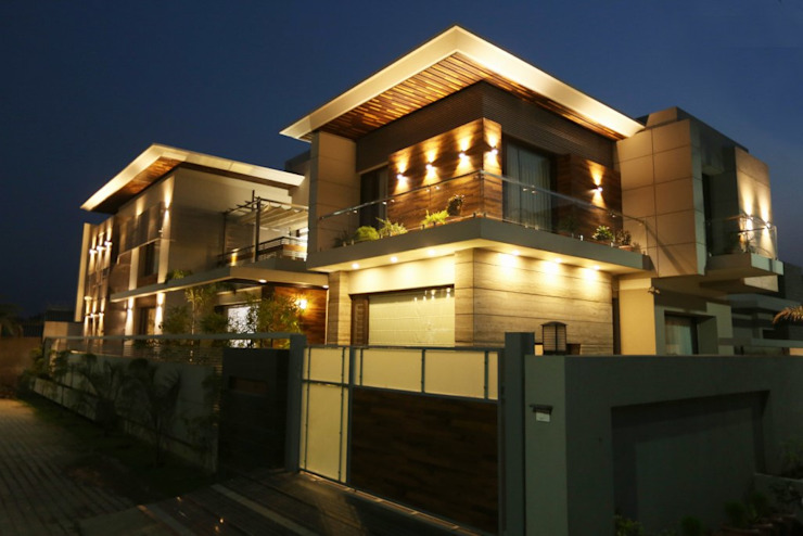 Modern house Exterior lighting Modern Houses by Planet Design and associate Modern