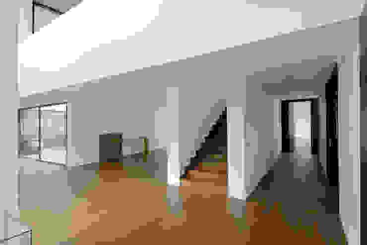 Suelos de estilo  por Otto Medem Arquitecto vanguardista en Madrid,