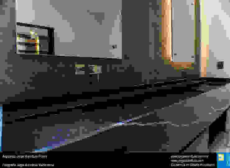 Casa N1 Baños minimalistas de Excelencia en Diseño Minimalista Mármol