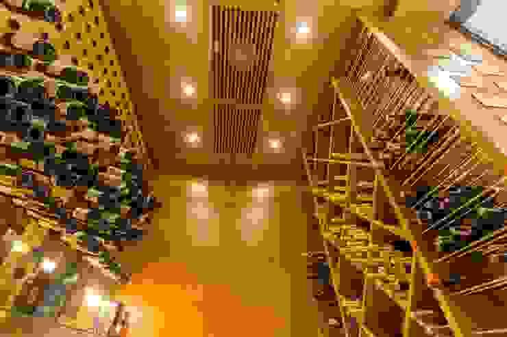Rustic style wine cellar by C2HA Arquitetos Rustic Wood Wood effect