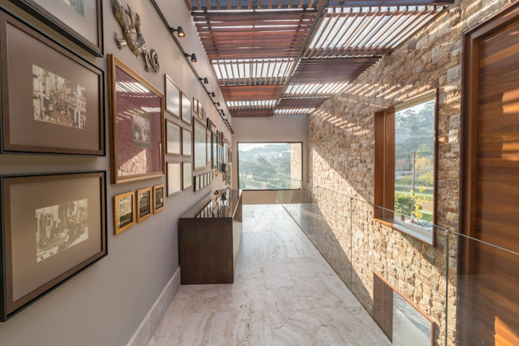 Rustic style corridor, hallway & stairs by C2HA Arquitetos Rustic
