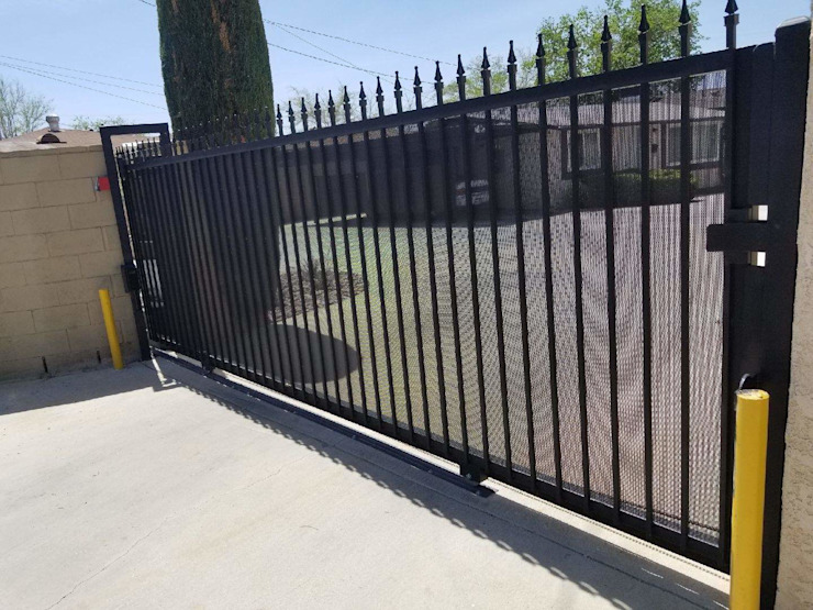 Domestic Driveway Gate Installation by Fever Tree Fencing Cape Town