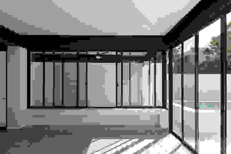 estancia Daniel Cota Arquitectura | Despacho de arquitectos | Cancún Salones modernos Hierro/Acero Blanco