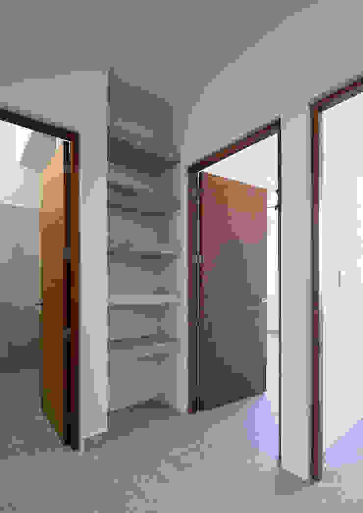 vestibulo Daniel Cota Arquitectura | Despacho de arquitectos | Cancún Pasillos, vestíbulos y escaleras modernos Madera Acabado en madera