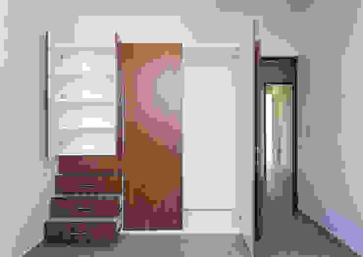 closet Daniel Cota Arquitectura | Despacho de arquitectos | Cancún Vestidores modernos Madera Acabado en madera