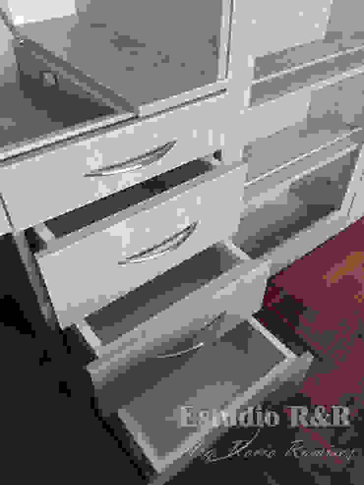 Cajones para cosméticos, cremas y/o útiles de escritorio de Estudio R&R Moderno Aglomerado