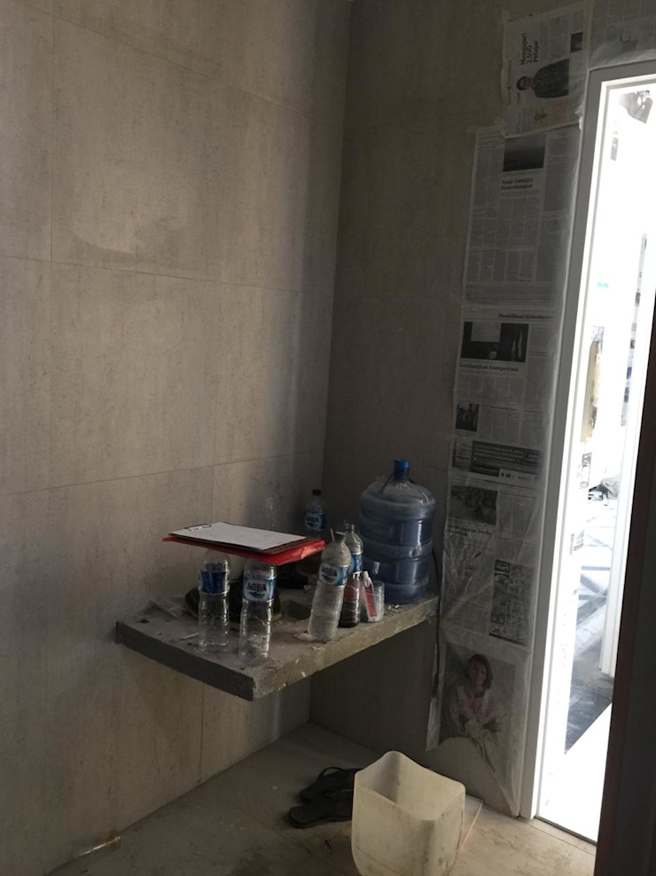Renovasi WC at South Jakarta Kamar Mandi Klasik Oleh JRY Atelier Klasik Keramik