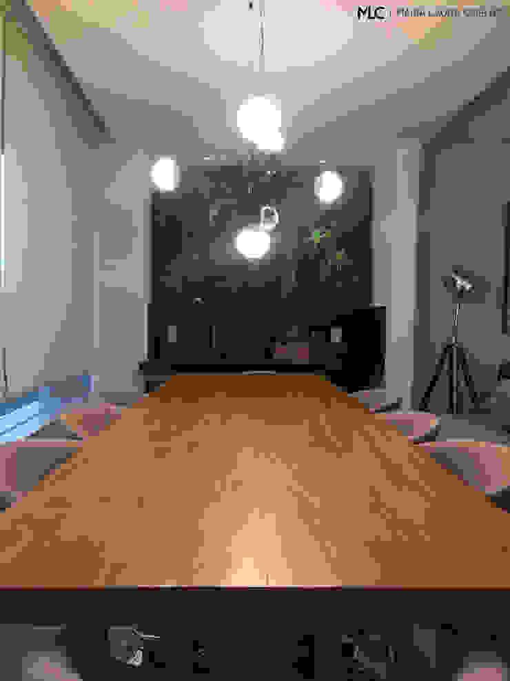 APARTAMENTO JM Salas de jantar modernas por Maria Laura Coelho Moderno
