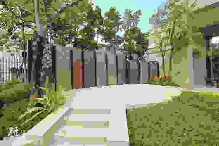 新北-寶鋐悅龍莊 研舍設計股份有限公司 陽台、門廊與露臺 配件與裝飾品