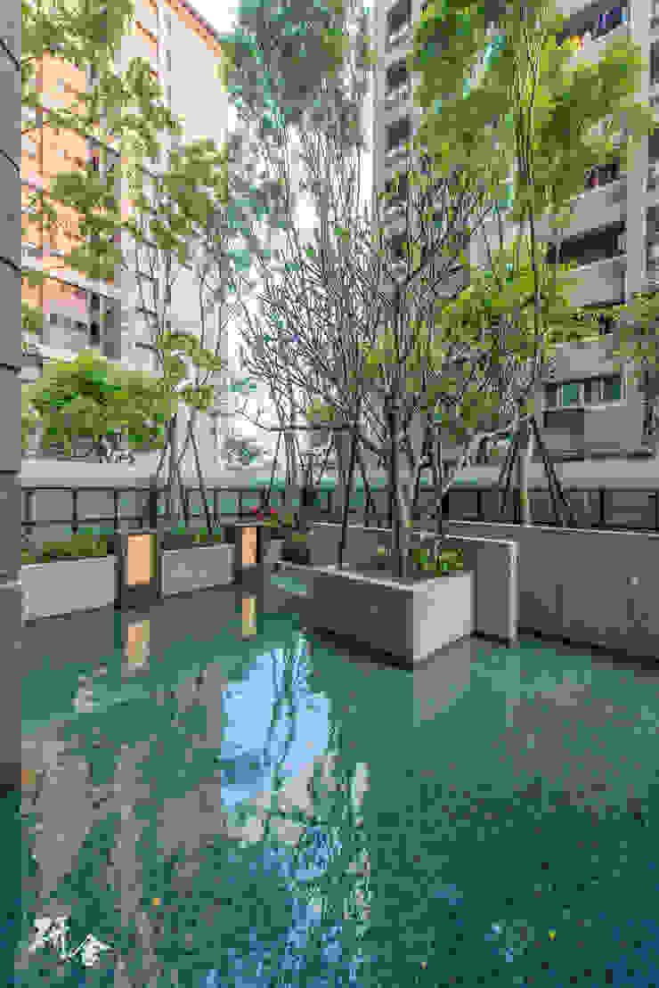 新北-合新River Park大河公園: 現代  by 研舍設計股份有限公司, 現代風