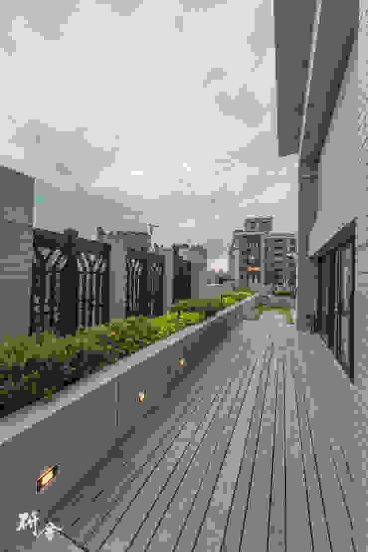 研舍設計股份有限公司 Balcones, porches y terrazasAccesorios y decoración