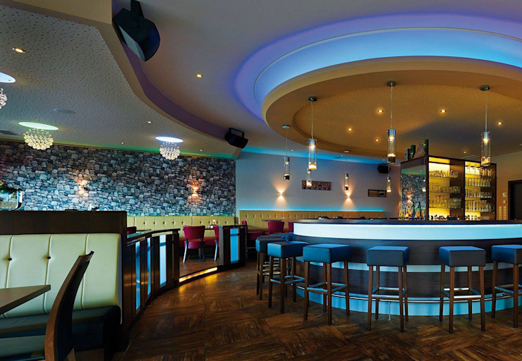 s.LUCE Beam Wandleuchte:  Bars & Clubs von Licht-Design Skapetze GmbH & Co. KG