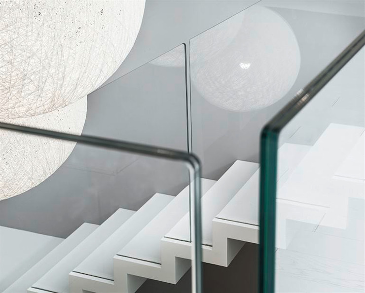 Zig Zag stair in Corian by Siller Treppen/Stairs/Scale Modern Marble