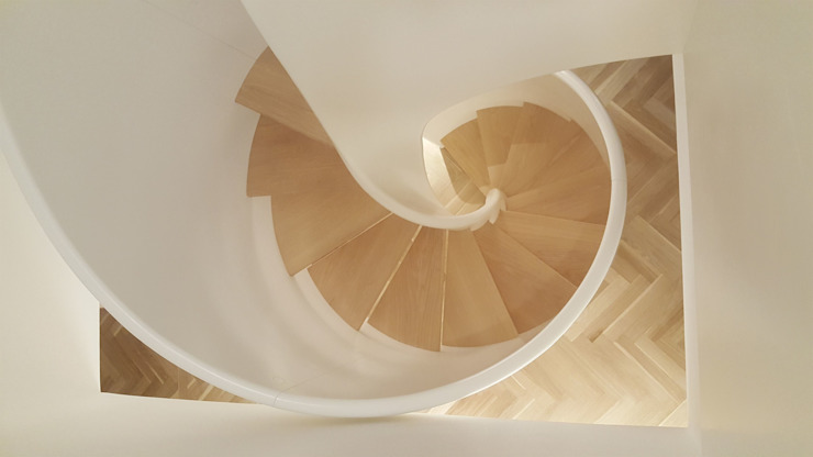 Tornado Spiral by Siller Treppen/Stairs/Scale Modern Wood Wood effect