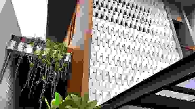 Relief dinding Dinding & Lantai Tropis Oleh Mandalananta Studio Tropis Batu
