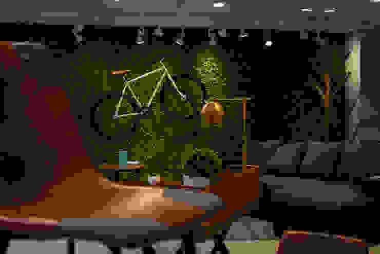 Moderne Arbeitszimmer von moblum Modern