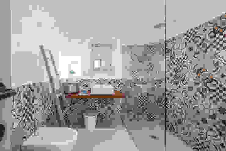 Mediterranean style bathrooms by ABBW angelobruno building workshop Mediterranean Ceramic