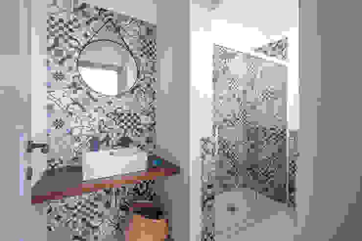 Mediterranean style bathrooms by ABBW angelobruno building workshop Mediterranean