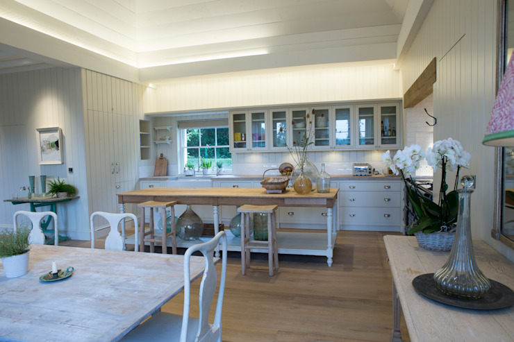 French country styled kitchen by CLPM Ltd Construction Project Consultancy Country