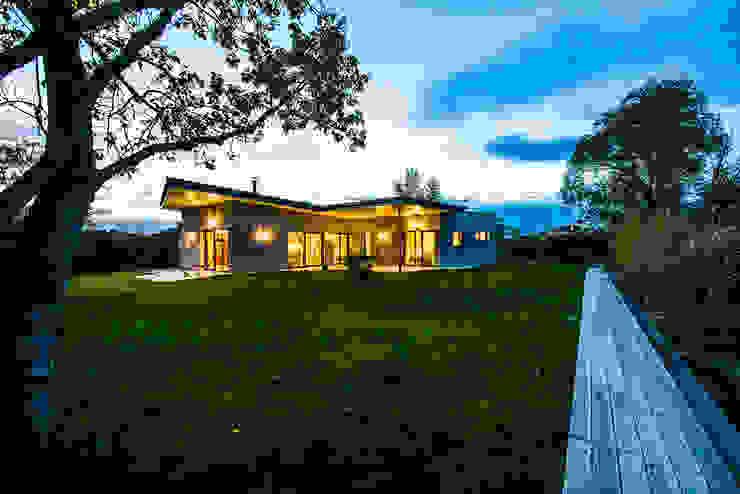 Casas pequeñas de estilo  por Schandl Architekten,