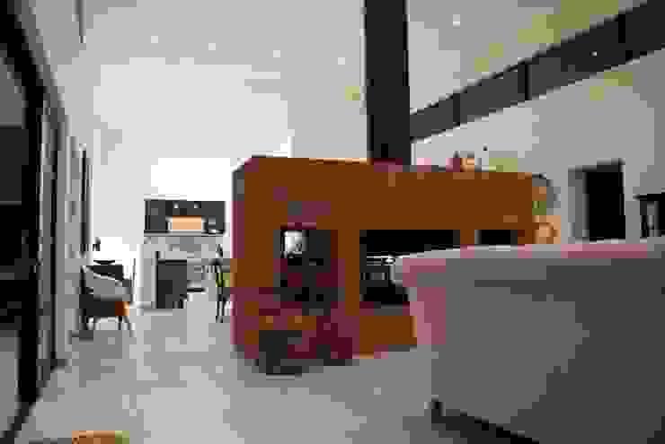 John McKenzie Architecture Ruang Keluarga Modern