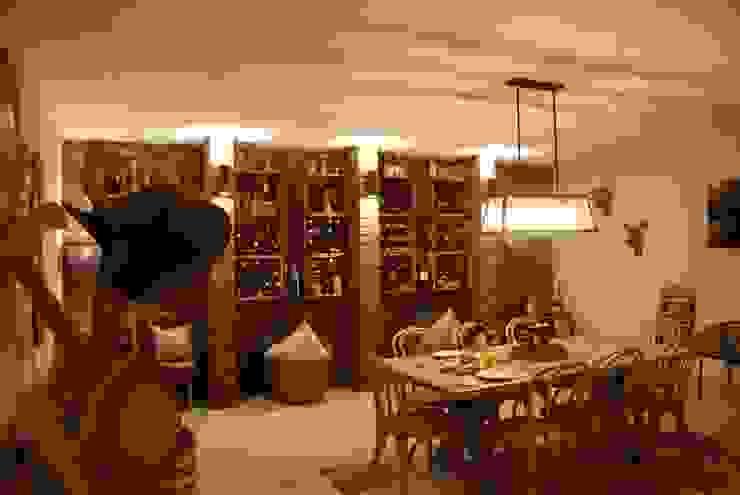 John McKenzie Architecture Ruang Penyimpanan Wine/Anggur Modern