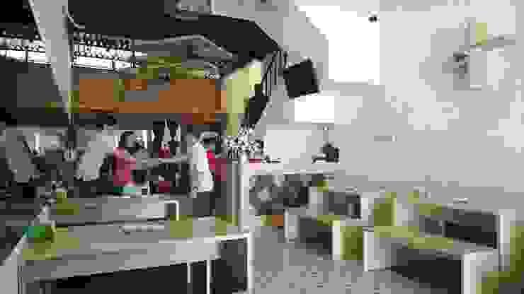 Restoran Ayam Kluruk Gastronomi Minimalis Oleh Equator.Architect Minimalis