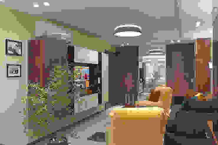 Salas de estilo minimalista de ИнтеРИВ Minimalista