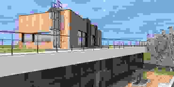 Minimalist balcony, veranda & terrace by Budownictwo i Architektura Marcin Sieradzki - BIAMS Minimalist Iron/Steel