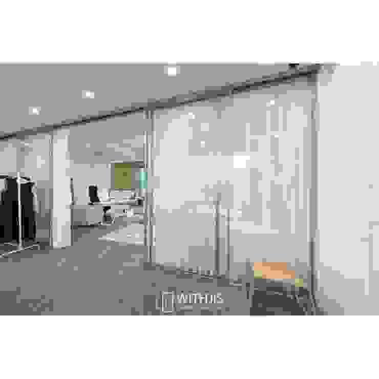 패션디자인회사의 오피스 인테리어 by WITHJIS(위드지스) 모던 알루미늄 / 아연