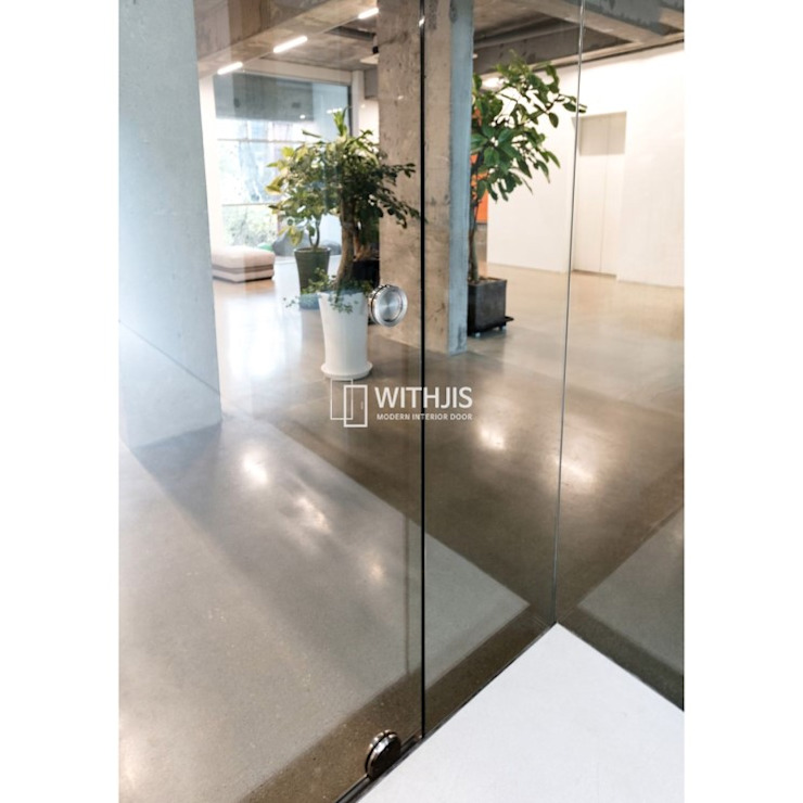 Modern office buildings by WITHJIS(위드지스) Modern Glass