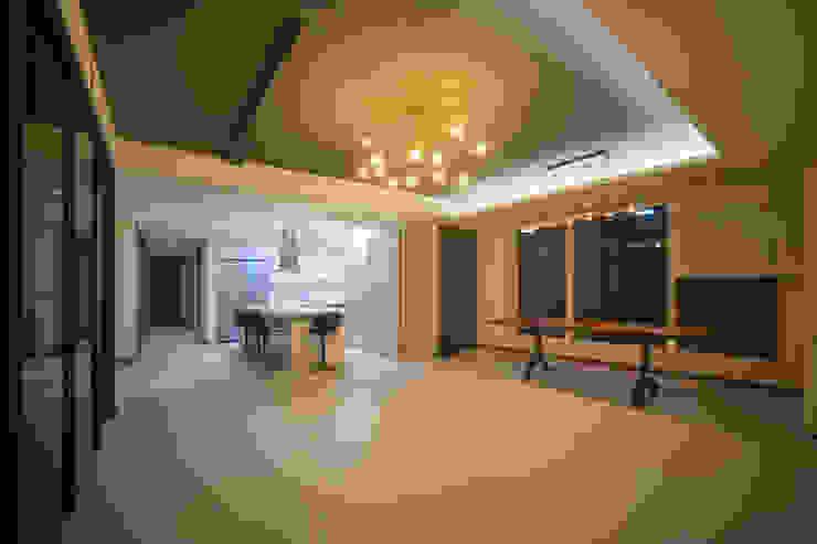 Salon moderne par 제시카디자인그룹 Moderne