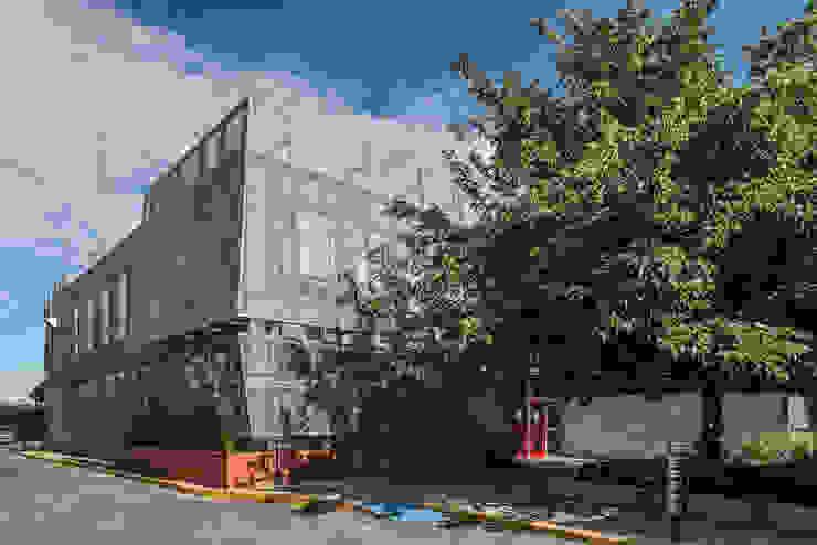 by HADVD Arquitectos